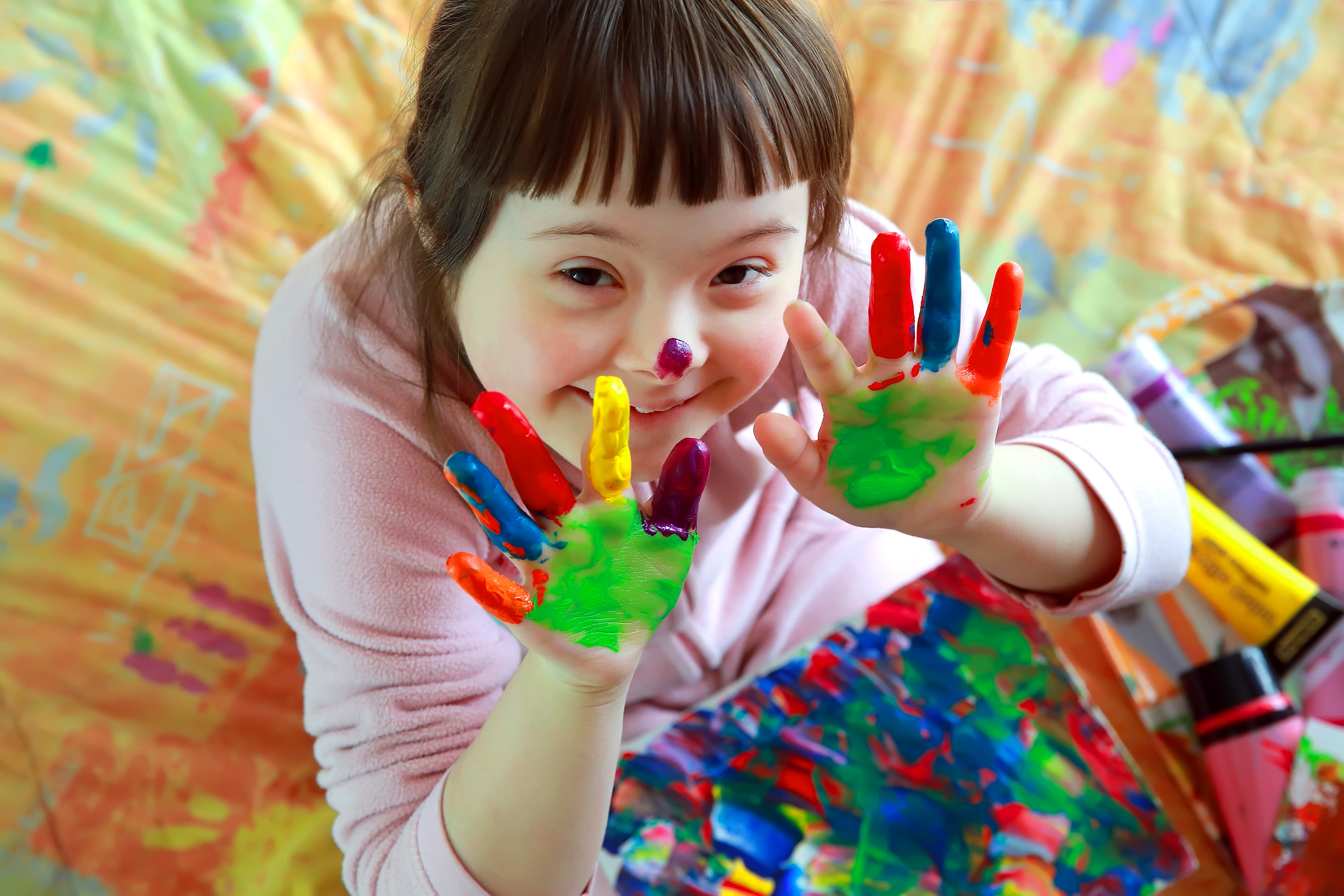 photo of child fingerpainting