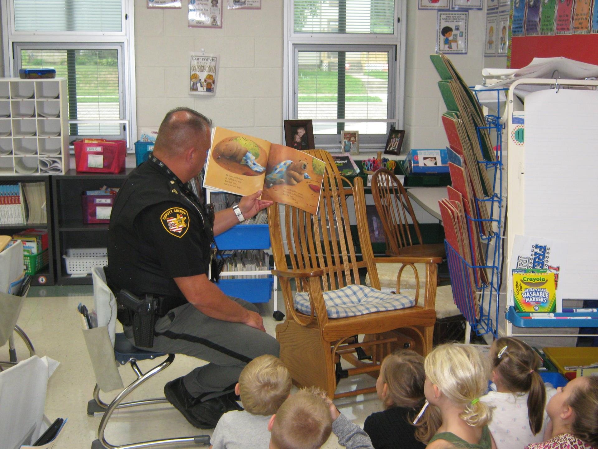 Sgt. Burke Reads to Mrs. Neal's Class