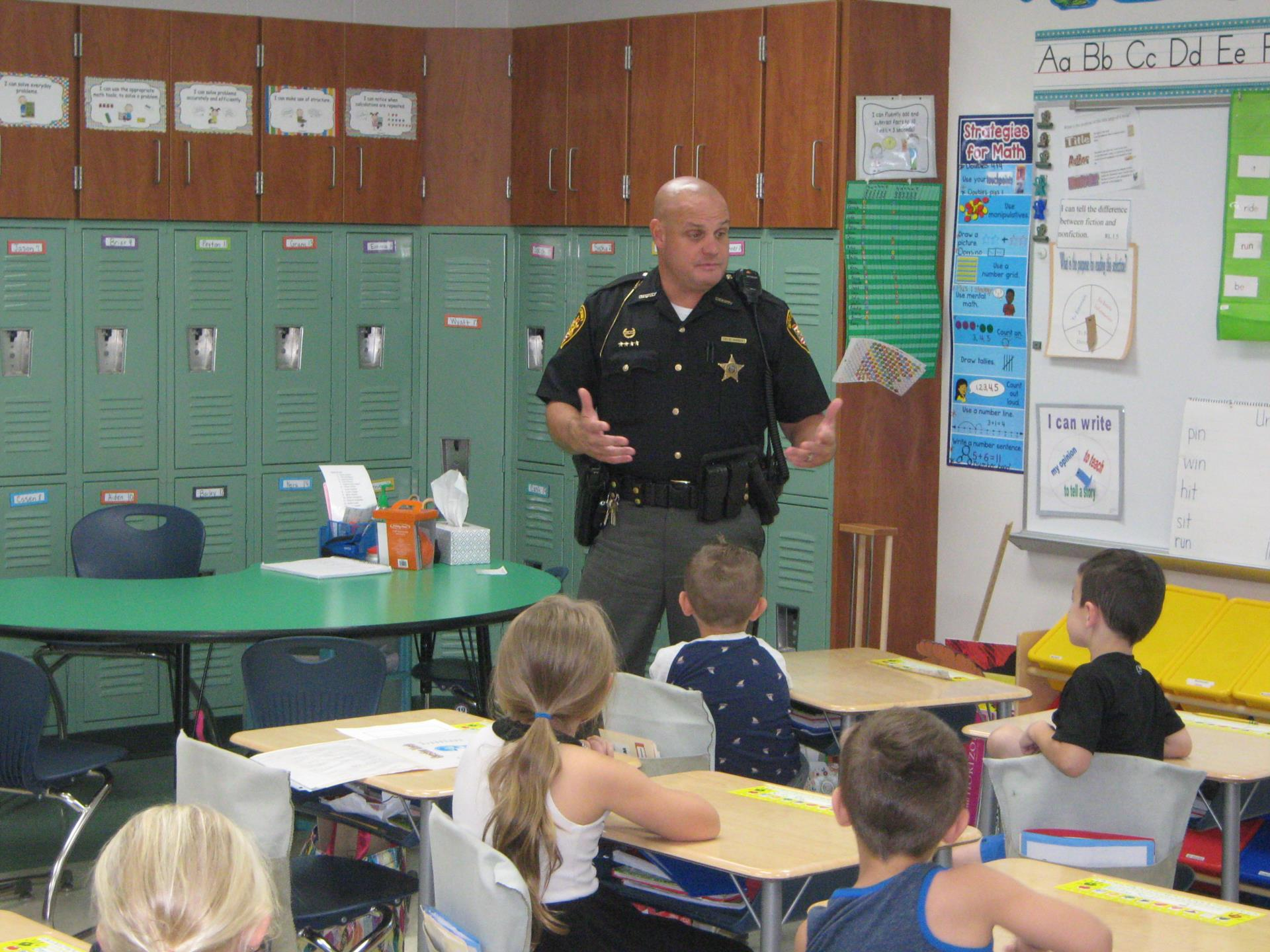 Deputy Rarey presents to Mrs. Neal's Class